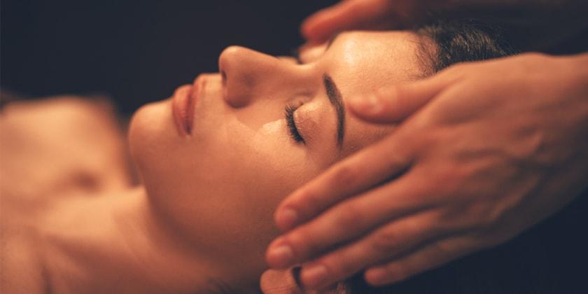 RISE & SHINE - Holistisk ansigts- og velværebehandling